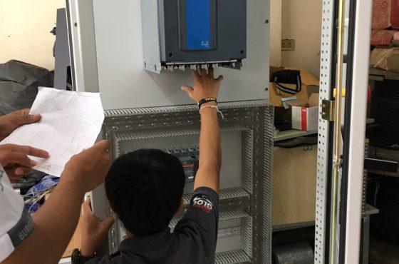 ตั้งหน้าตั้งตา ประกอบตู้ควบคุม Compressor